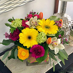 Kelowna florist Floral Designs by Lee creates flower arrangements for every occasion